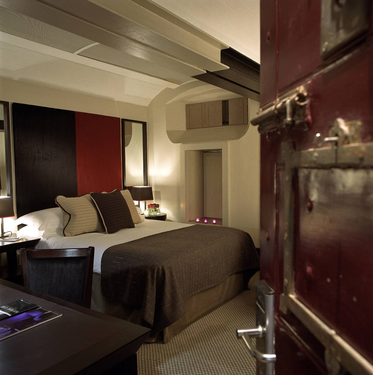 Boutique hotel rooms in oxford malmaison hotels for Luxury hotel oxford